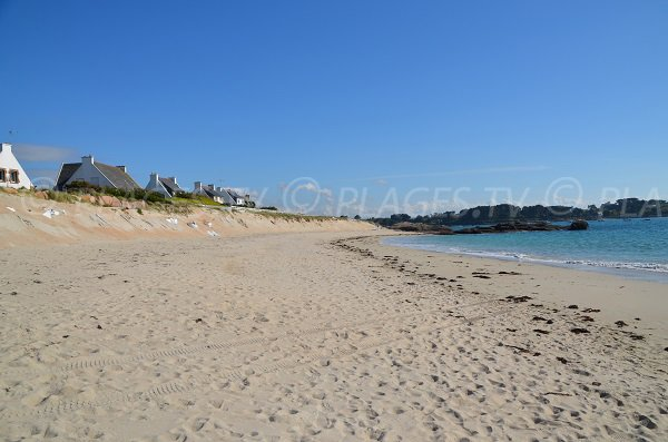 Dunes de la plage de la Grève Rose à Trégastel