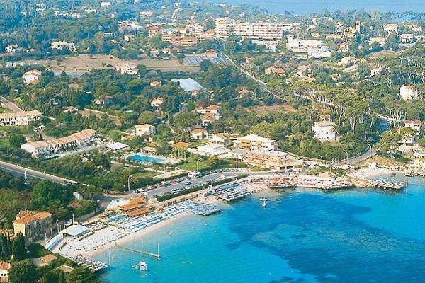 Hotel au Cap d'Antibes à proximité de la plage de la Garoupe