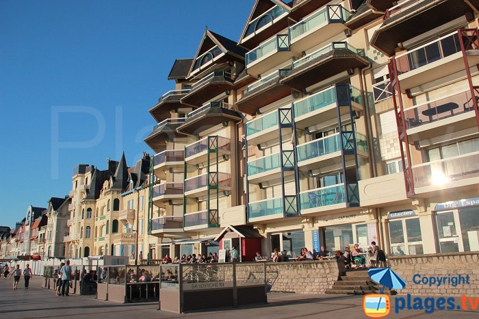 Seafront of Wimereux with cafes