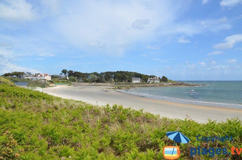 Belle plage préservée de Kervillen à La Trinité