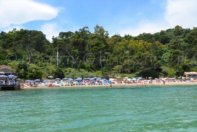 Le Layet: une belle plage avec une excellente paillote