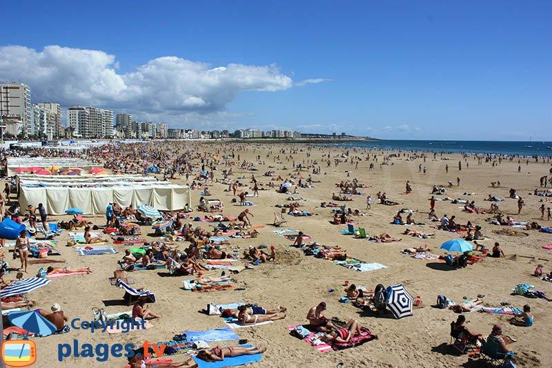 Les Sables d'Olonne et sa grande plage en été