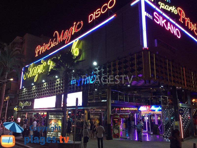 Lloret de Mar : une discothèque à ciel ouvert