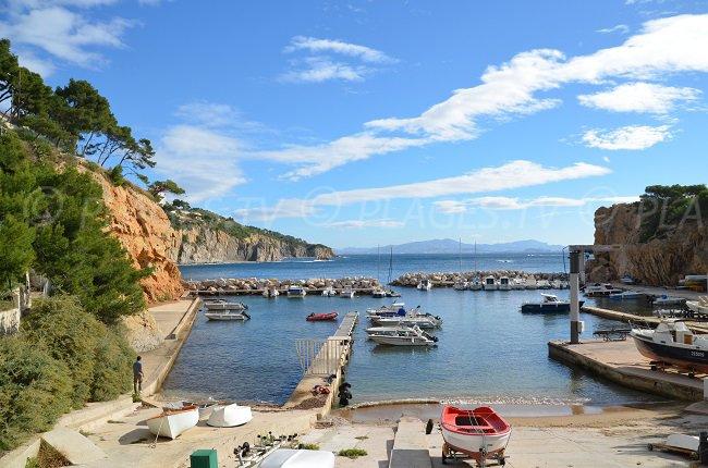 Le port de la Madrague de Gignac à Le Rove