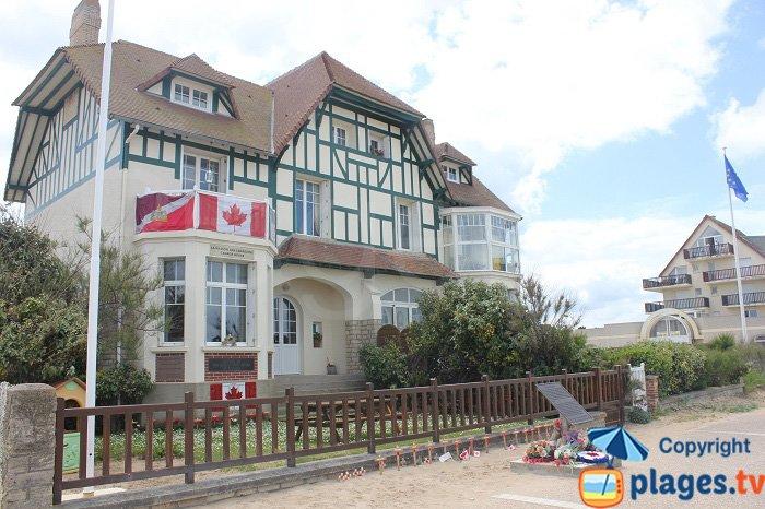 Première maison libérée par les canadiens à Bernières sur Mer