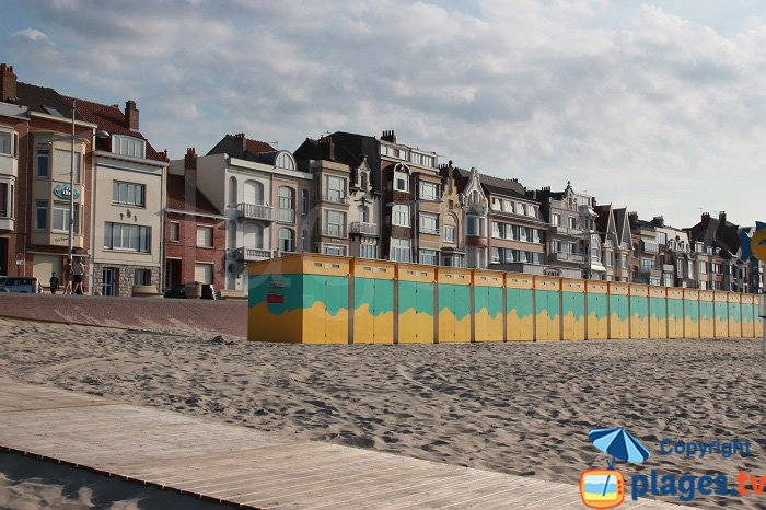 cabins scattered along the seafront in Malo les Bains in France