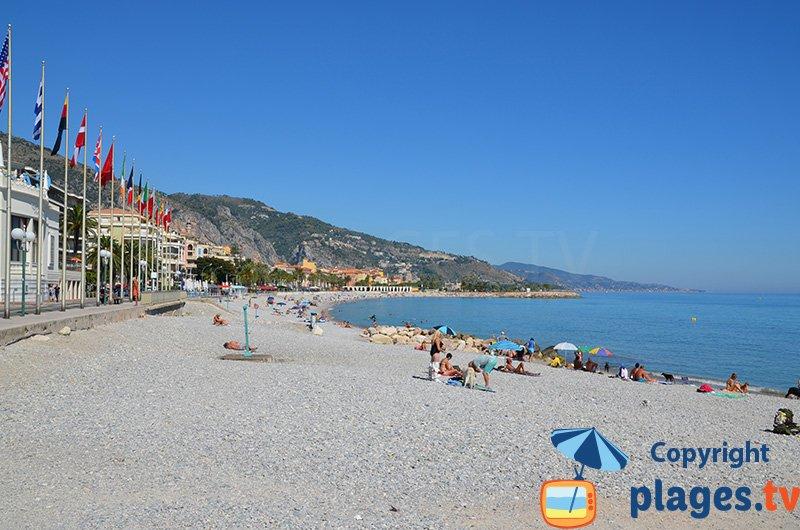 Menton : la plage au niveau du Casino