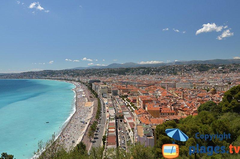 Nice depuis la colline du chateau avec vue sur la plage
