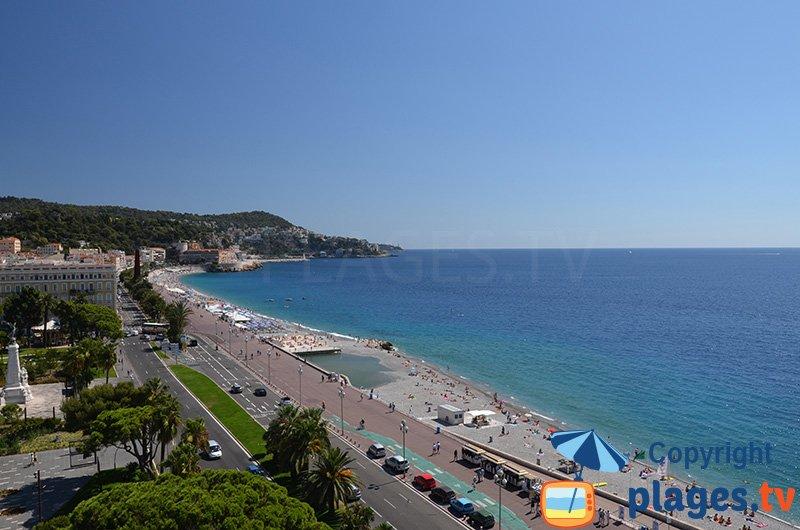 Nice : la plage, la promenade des Anglais et la colline du Château
