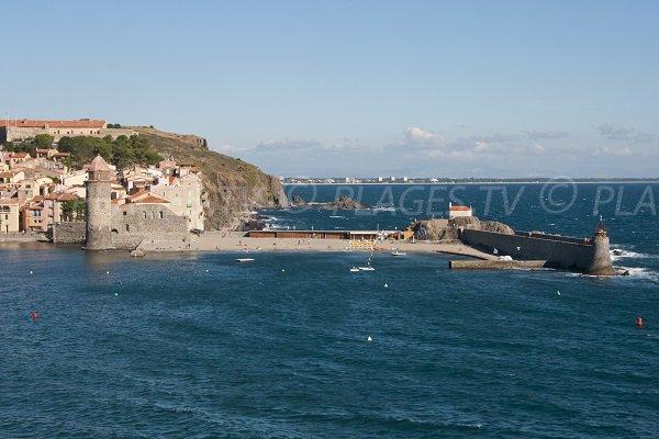 Plage de St Vincent vue depuis l'entrée de Collioure