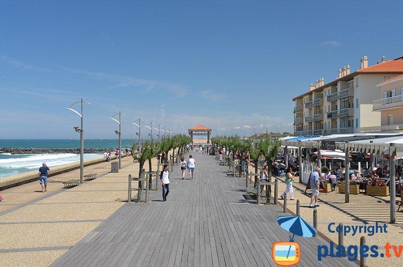 Anglet : sa promenade piétonne et sa plage