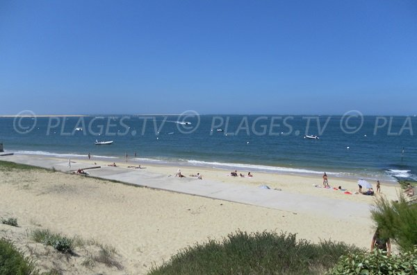 simple photo of pilat beach france with etche ona pyla. Black Bedroom Furniture Sets. Home Design Ideas