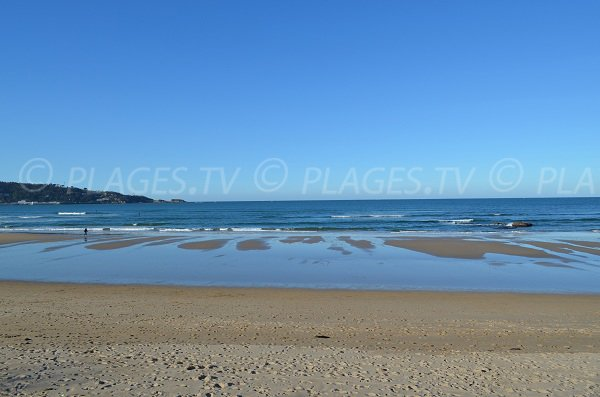 Low tide on the Hendaye beach - 2 jumeaux