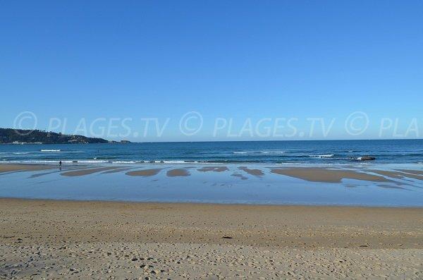 Marée basse sur la plage des 2 Jumeaux - Côte Basque