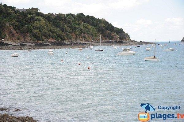 Abri des flots beach in Cancale