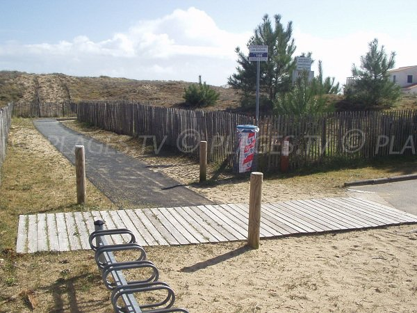 Accès plage 106 à La Faute sur Mer et les dunes