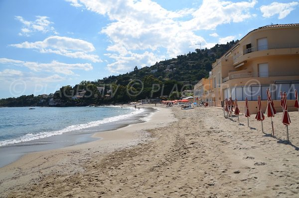 Constructionson the Aiguebelle beach in Lavandou