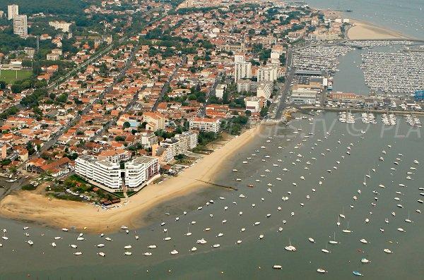Plage de l 39 aiguillon arcachon 33 gironde aquitaine - Restaurant arcachon port de plaisance ...