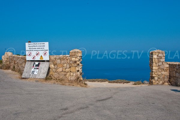 Access to the Alga beach in Calvi
