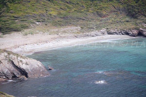 Plage dans le golfe d'Alisu dans le Cap Corse