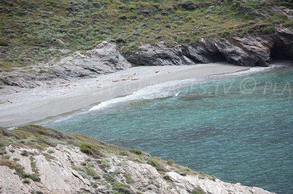 Plage de sable dans le Cap Corse - Alisu