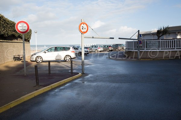 Parking de la plage des Ammonites