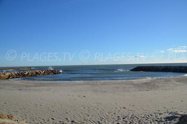 Strand am Ausgang des Stadtzentrums von Saintes Maries de la Mer