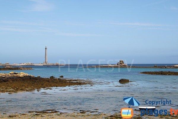 Vue sur l'ile vierge depuis la plage d'Aod ar Reun de Plouguerneau