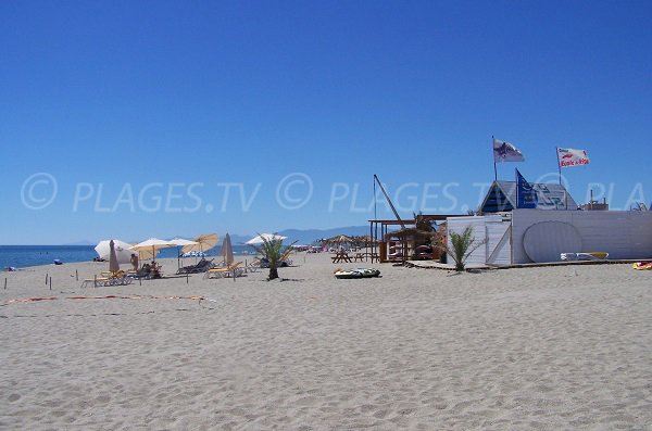 Private beaches next to Aqualand in Leucate