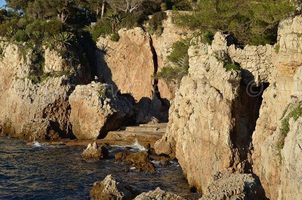 Vue sur la plage de Faux Argent depuis la baie des Milliardaires