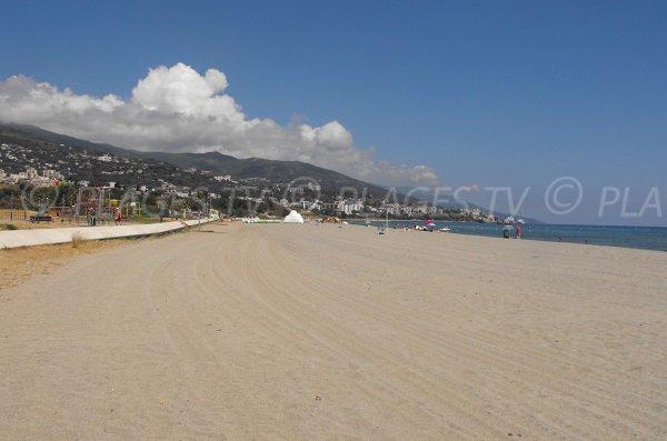 Spiaggia Arinella e vista sul Bastia