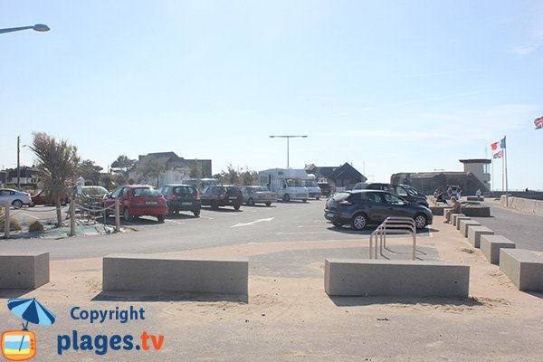Free parking of Asnelles beach