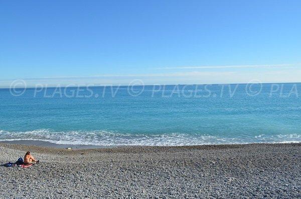 Baie des Anges depuis cette plage de Nice Ouest