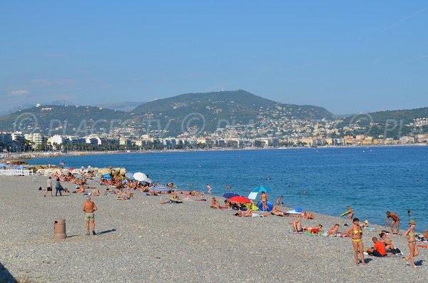 Spiaggia Aubry Lecomte a Nizza in estate