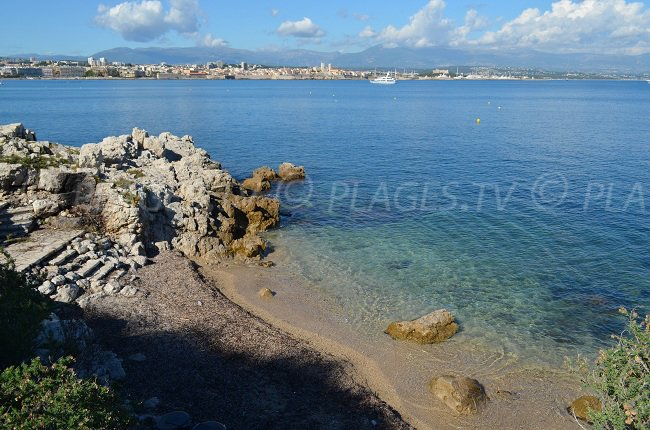 Petite crique sur le Cap d'Antibes