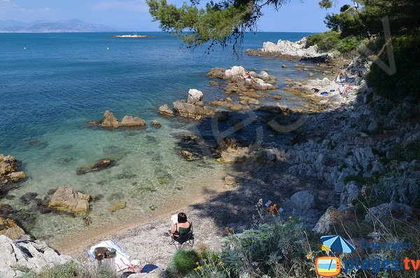 Photo of Bacon beach in Cap d'Antibes in France
