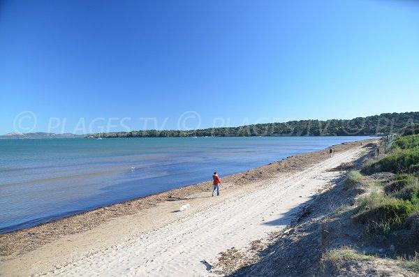 Photo of Badine beach - view on Peninsula of Giens
