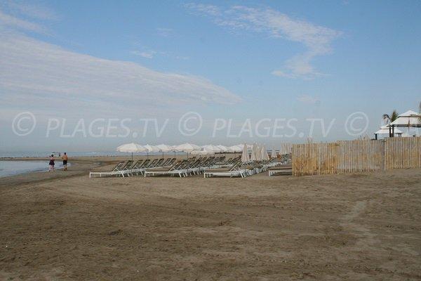 Location de matelas sur la plage ouest du Cap d'Agde