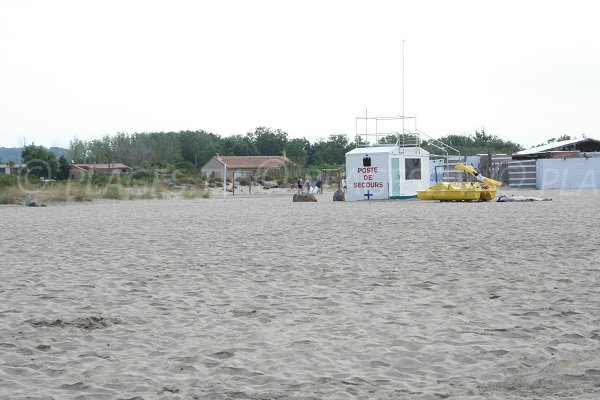 First aid station on the baie de l'Amitié beach  - Agde