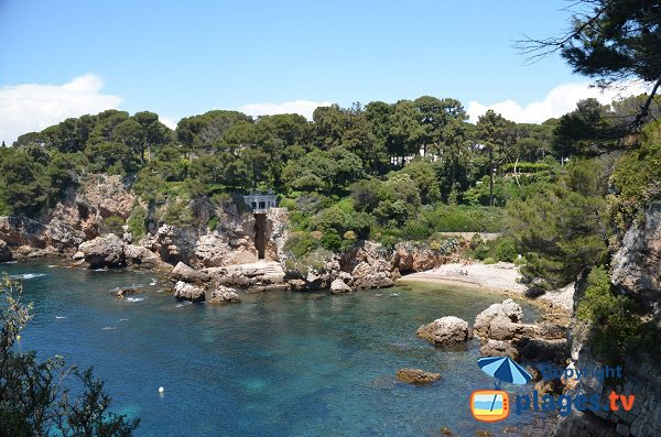 Photo of cove in the Milliardaires bay in Cap d'Antibes - France