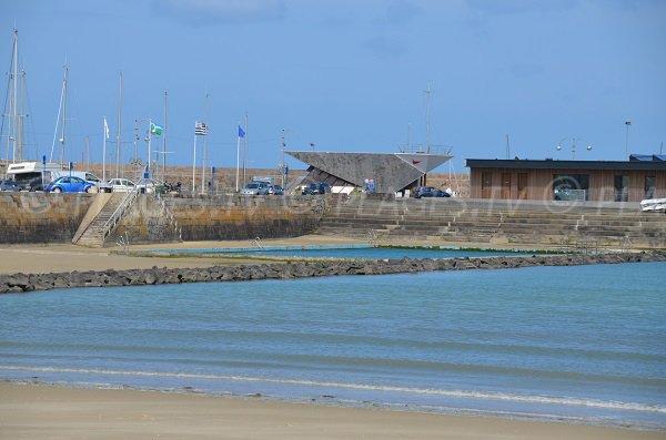 Piscine sur la plage de Binic
