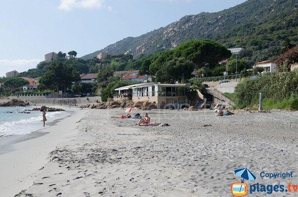 Plage privée sur la plage de Barbicaja à Ajaccio