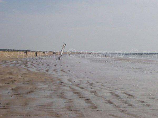 Char à voile sur la plage de la Barrique à La Faute sur Mer