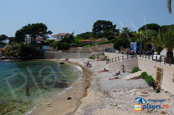 Spiaggia Barry a Bandol in estate