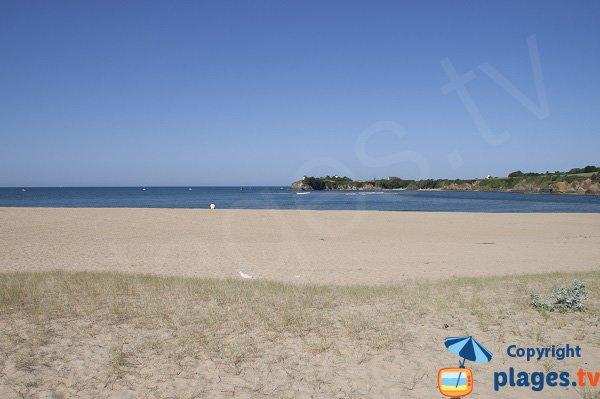 Vue sur Clohars-Carnoët depuis la plage de Guidel
