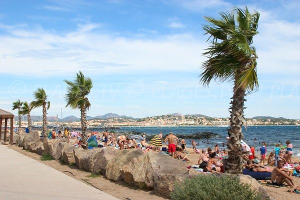 Base nature beach in Fréjus in summer