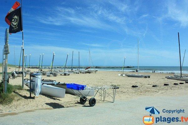 Sports nautiques sur la plage de Saint Jean de Monts en vendée