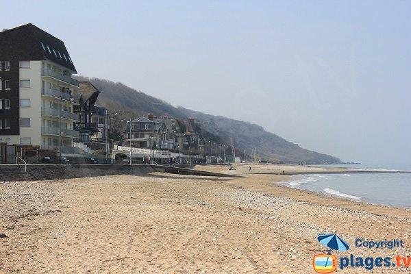 Beach in Villers sur Mer near Black Cows cliffs