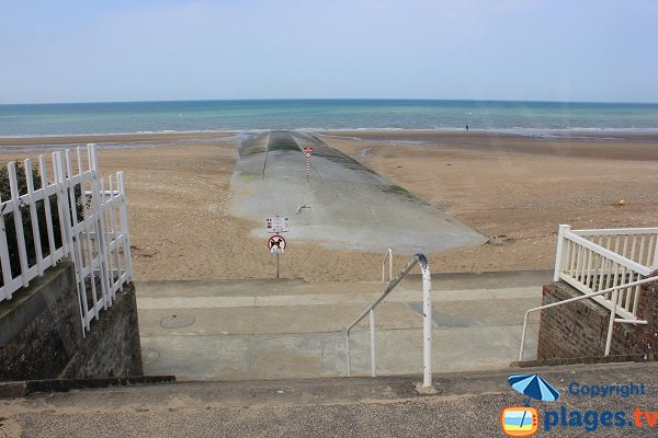Access to Base Nautique beach in Villers sur Mer