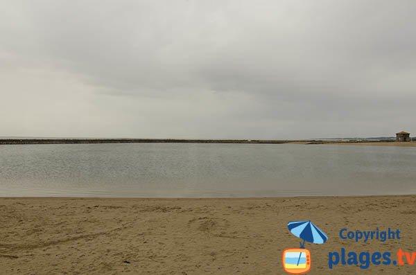 Bassin avec de l'eau de mer à La Bernerie en Retz